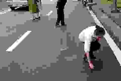 """""""Đinh tặc"""" lộng hành trên đường phố Huế"""