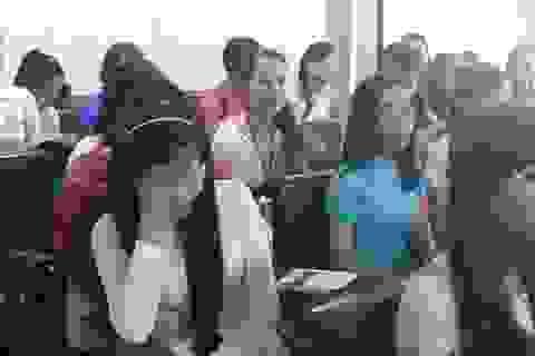 Giọt nước mắt trong lễ tốt nghiệp của nữ sinh bị tài xế taxi sát hại