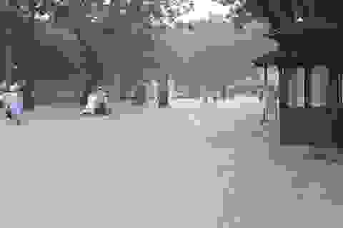 """Mưa cực lớn, Huế ngập thành """"sông"""""""