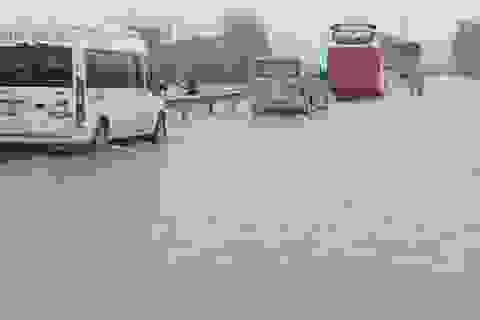 Mưa lớn làm ngập một đoạn Quốc lộ 1A và hơn 600 hộ dân