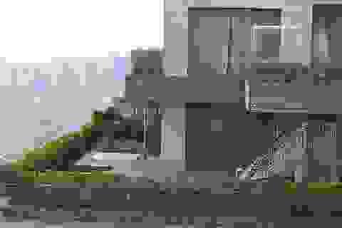 Hà Nội: Bỏ tiền tỷ để mua... nhà dột giữa chung cư cao cấp