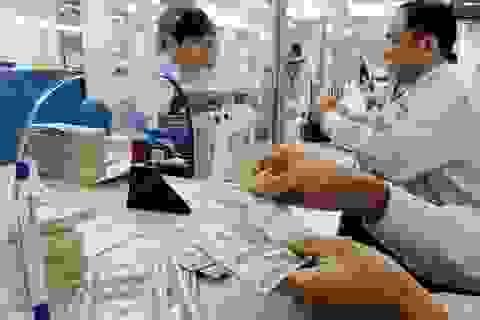 Dân vẫn ra ngân hàng gửi USD dù lãi suất về 0%