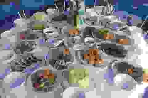 Mùa Vu Lan, các nhà hàng đồ ăn chay tấp nập đón khách