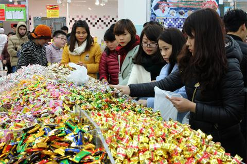 Cuối năm, hàng hóa Trung Quốc, ASEAN ùn ùn vào Việt Nam