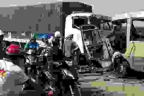"""Phó Thủ tướng yêu cầu """"siết"""" vấn nạn tai nạn giao thông"""