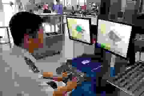"""Nhân viên sân bay """"cầm nhầm"""" iPad của hành khách"""
