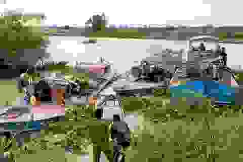 """Bắt """"nóng"""" nhóm đối tượng khai thác cát lậu trên sông La Ngà"""