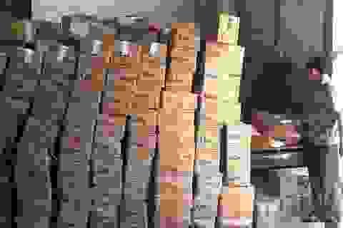 Phát hiện hơn 100 tấn bột ngọt nghi làm giả