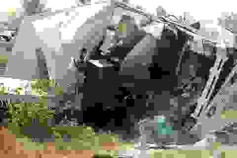 Ba người tử vong trong cabin xe tải sau vụ tai nạn kinh hoàng