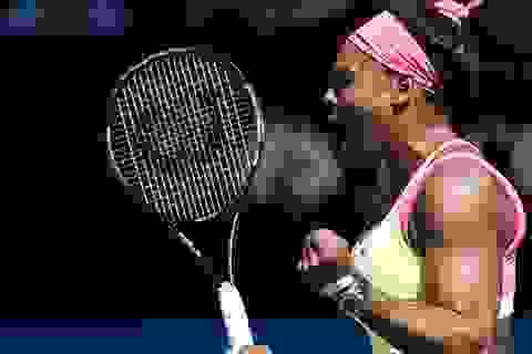 Serena Williams đè bẹp đối thủ 19 tuổi