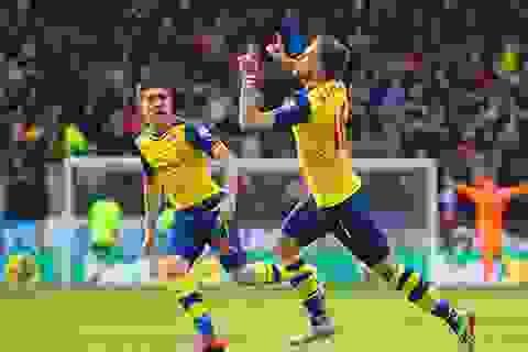 Thắng nhẹ Burnley, Arsenal áp sát Chelsea
