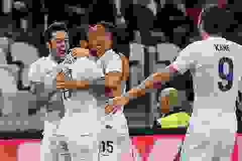 Towsend cứu Anh thoát thua trước Italia