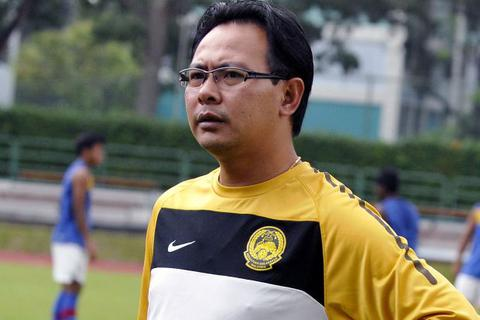 """Nhận thẻ đỏ ngu ngốc, """"sao"""" U23 Malaysia có thể bị tống cổ"""