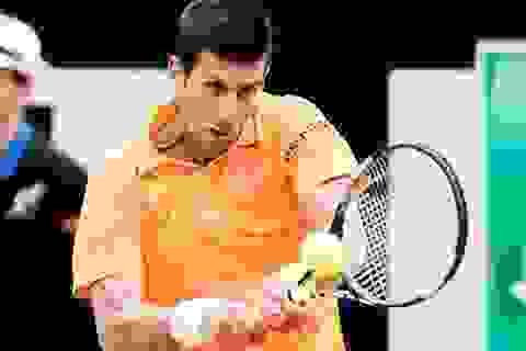 Djokovic, Federer vào chung kết