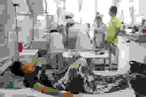 Người nhà bệnh nhân bất ngờ đánh điều dưỡng túi bụi