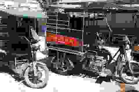 """""""Quét"""" xe ba bánh tự chế trên đường phố Hà Nội"""