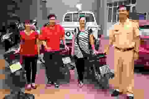Hà Nội: CSGT trao trả xe máy bị trộm cắp cho người dân
