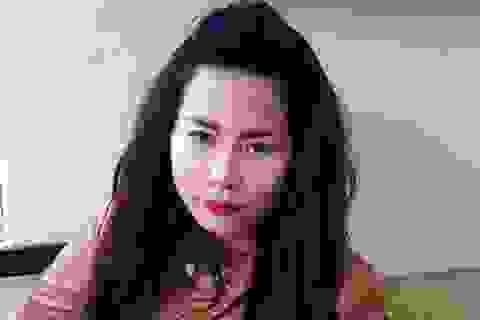 """Hà Nội: Má mì xinh đẹp chụp ảnh khỏa thân để """"câu khách"""" mua dâm"""