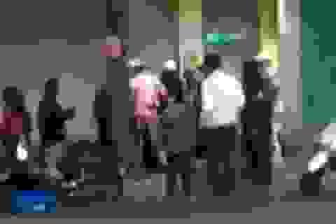 Hà Nội: Thanh niên đi xe SH trộm thẻ cào của... người bán báo