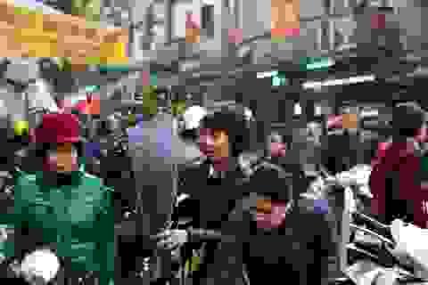 Chợ phố cổ Hà Nội ngày 30 Tết có gì?