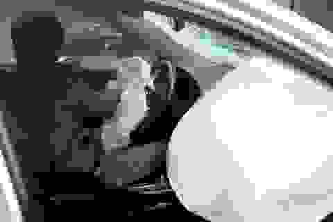 Tài xế xe Camry tông chết 3 người là nam hay nữ?