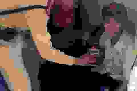 """Hà Nội: Cụ già """"hay quên"""" đi bộ lạc 7km"""