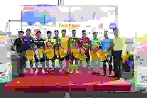 Đội bóng báo Dân trí thắng tưng bừng trận ra quân Cup Trung Thành