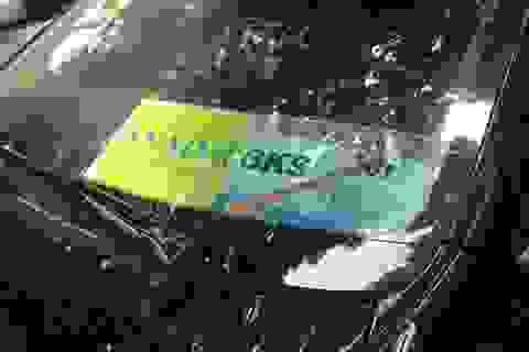 """Hà Nội xử lý nghiêm xe ô tô gắn """"mác"""" Bộ Công an"""