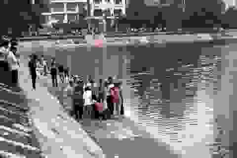 Hà Nội: Nam sinh viên tử vong khi tắm ở hồ Ngọc Khánh