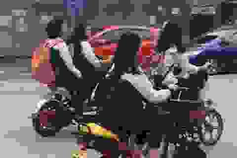 Hà Nội yêu cầu học sinh ký cam kết không dàn hàng ngang khi tham gia giao thông