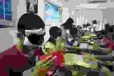 """Xôn xao """"học kích não"""": Thay vì bịt mắt, chi bằng cho trẻ trải nghiệm"""