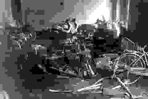 Cháy lớn thiêu rụi nhiều xe máy tại khu chung cư Linh Đàm