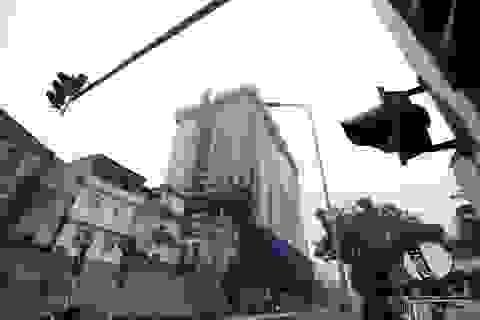 Thủ tướng yêu cầu Hà Nội báo cáo việc cắt ngọn nhà 8B Lê Trực