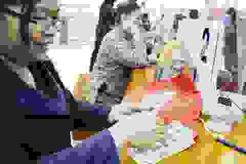 Ngân hàng liên tục giảm giá USD