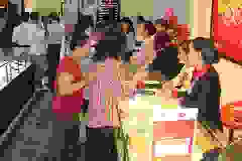 Giá vàng đồng loạt giảm, chênh 2,7 triệu đồng/lượng so với giá thế giới