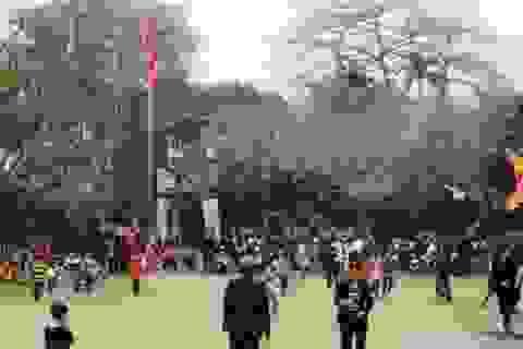 Người dân nô nức dự lễ khai ấn đền Lý Thường Kiệt