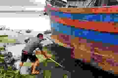Ngư dân khốn đốn khi tỉnh dừng dự án nạo vét sông