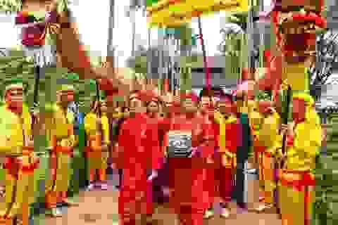 """Phục dựng nghi lễ """"rước kiệu Ngọc Lộ"""" tại lễ hội khai ấn Đền Trần"""