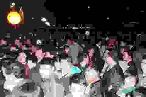Chen lấn, la ó kinh hoàng tại lễ khai ấn Đền Trần