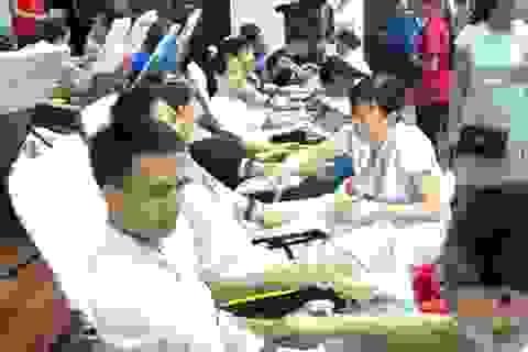 Hơn 1.200 tình nguyện viên tham gia hiến máu cứu người