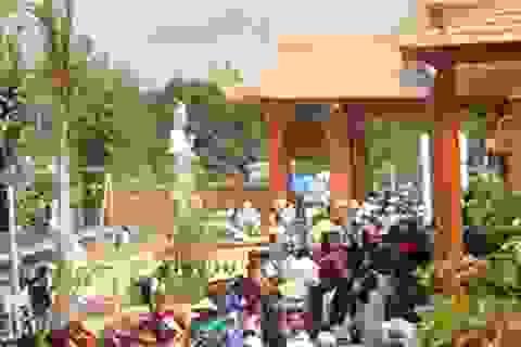 Thiền viện lớn nhất ĐBSCL tấp nập người tới lễ Phật cầu may