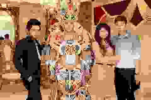 Nam Thành khoe trang phục dân tộc
