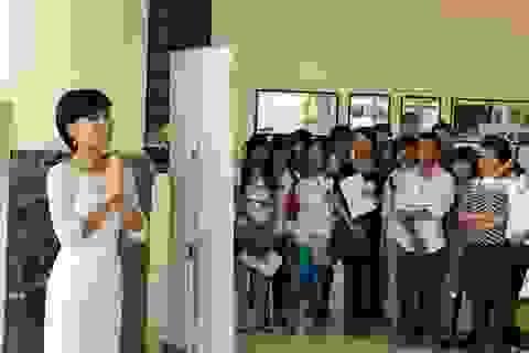 Uyên Linh làm giám khảo Vietnam Idol 2013