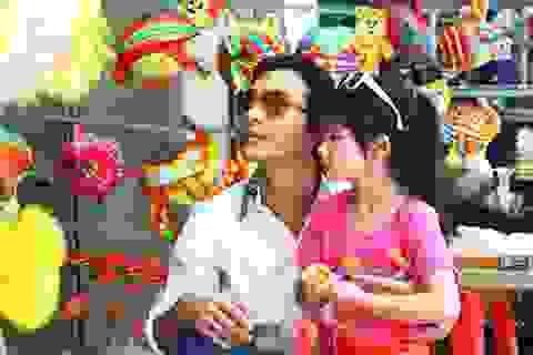 Vẻ dễ thương của con gái Trần Bảo Sơn - Trương Ngọc Ánh