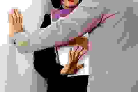 """Quấy rối tình dục nữ đồng nghiệp - """"đùa cho vui""""?"""