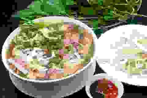 Phở Việt Nam tiếp tục được truyền thông nước ngoài tôn vinh