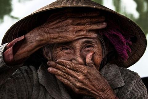 Nụ cười Việt Nam qua ống kính nhiếp ảnh gia người Pháp