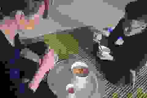 Mẹ đơn thân bán từng thanh đậu phụ mơ ước cứu con trai bệnh nặng