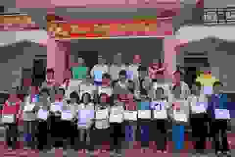 Grobest phối hợp báo Dân trí, Quỹ KHVN trao 120 suất học bổng đến học sinh nghèo Đắk Lắk