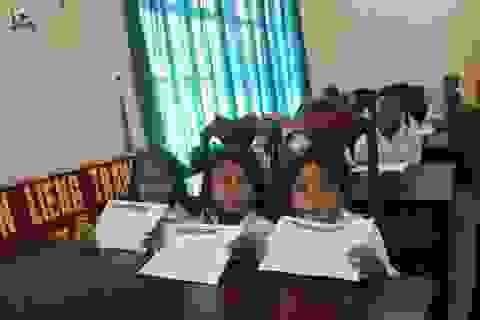 Grobest phối hợp với báo Dân trí, Quỹ KHVN trao 75 suất học bổng đến học sinh nghèo Lâm Đồng
